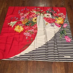 Amazing vintage signed Gucci floral silk scarf